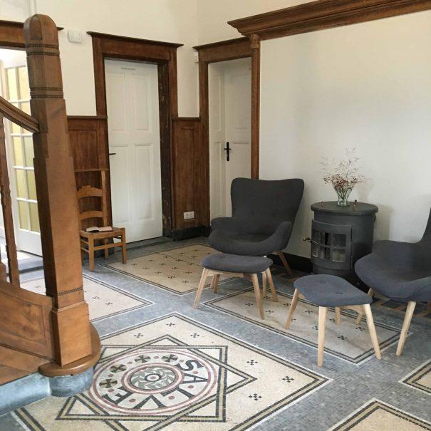 Kantoorvilla de Pastorie Vergaderruimte Kantoorruimte Huren Exclusief Bergen op Zoom Per Uur de Hal